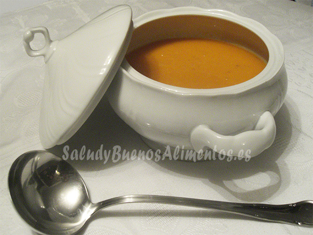 Sopa de tomate (caliente)