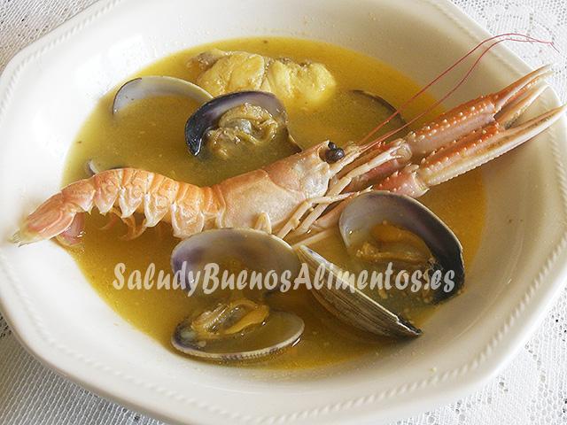 """Sopa de pescado al estilo """"bouillabaisse"""""""