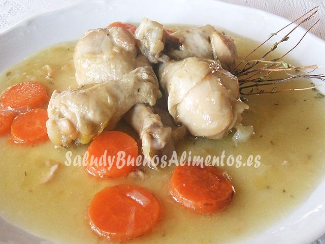 Pollo en salsa de cebolla con tomillo