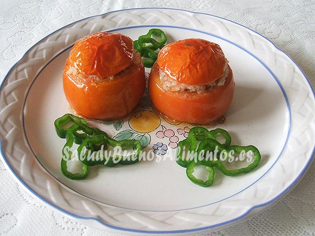 Tomates rellenos de carne y arroz